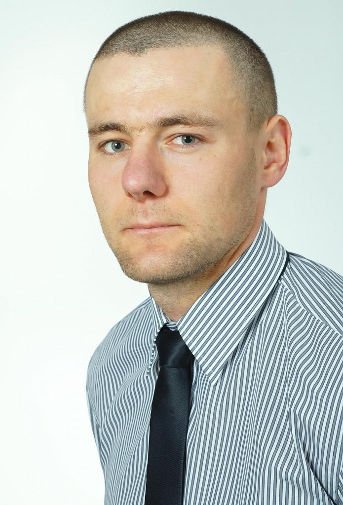 Maciej Kusznierewicz dziennikarz, copywriter